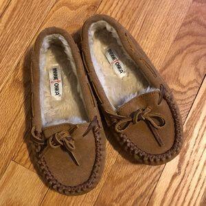 Kids size 12 Minnetonka Moccasin lined slippers